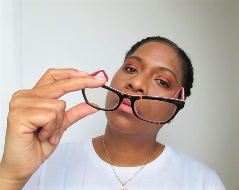 3 eye makeup tips for glasses wearers